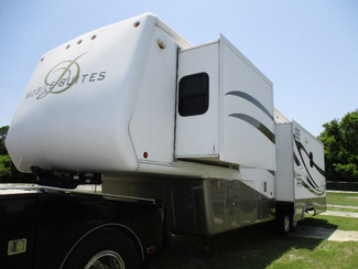 2005 Double Tree W/ 3 Slides Mobile Suite 38RLS in Hudson, Florida