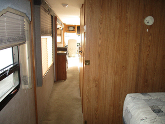 2005 Fleetwood Bounder  36Z  city Florida  RV World of Hudson Inc  in Hudson, Florida