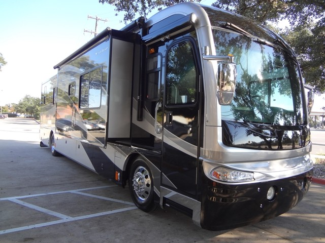 2005 Fleetwood Revolution LE 40E Austin , Texas 7