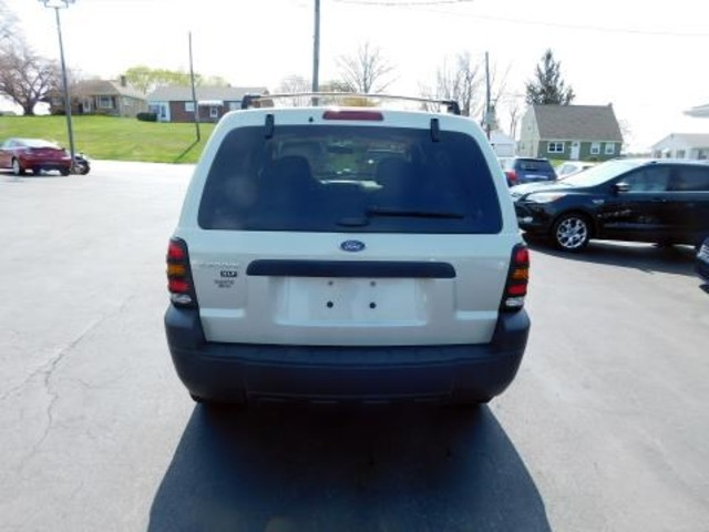 2005 Ford Escape XLT Ephrata, PA 4