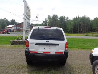 2005 Ford Escape XLS Value Hoosick Falls, New York 3