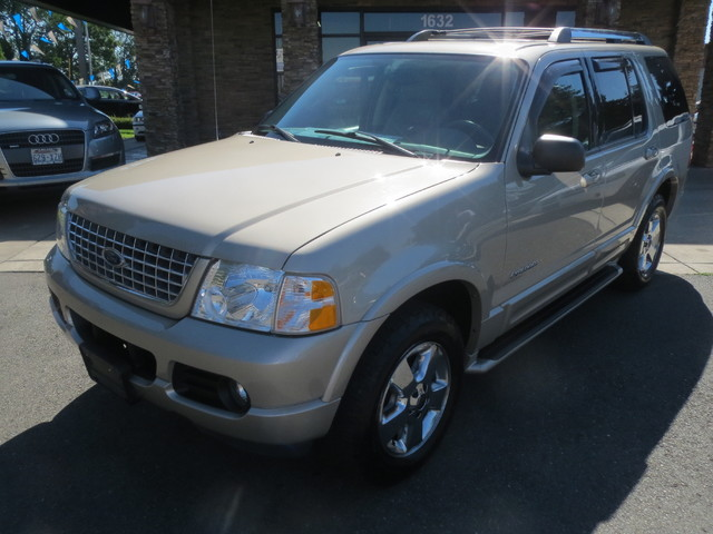 2005 Ford Explorer Limited 4WD The CARFAX Buy Back Guarantee that comes with this vehicle means th