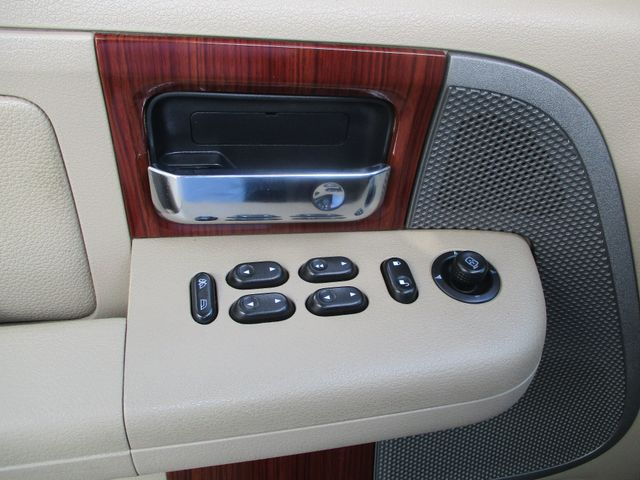 2005 Ford F-150 Crew Cab 4X4 Lariat Plano, Texas 12