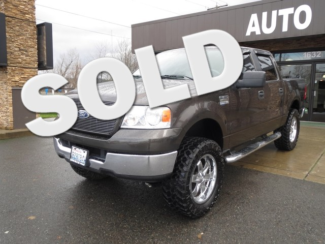 2005 Ford F-150 XLT Here is one tough rugged pickup that can seat five in comfort Add to that the