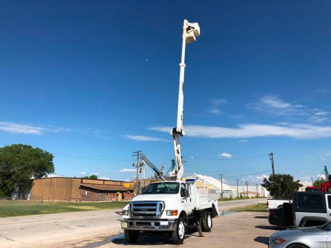 2005 Ford F750 BUCKET TRUCK   in Fort Worth, TX