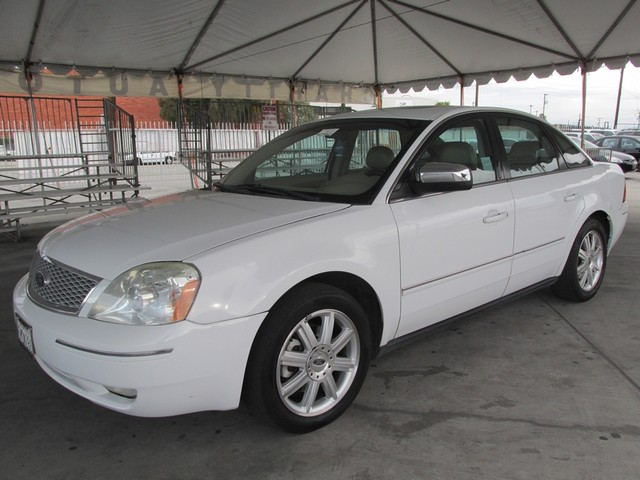 2005 Ford Five Hundred Limited Please call or e-mail to check availability All of our vehicles a