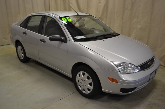 2005 Ford Focus SE Roscoe, Illinois 0