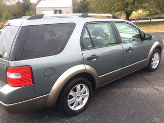 2005 Ford   2 Owner!! $3995!! Freestyle 3RD ROW! SE=BUY HERE PAY HERE!! Knoxville, Tennessee 5