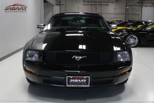 2005 Ford Mustang Deluxe Merrillville, Indiana 7