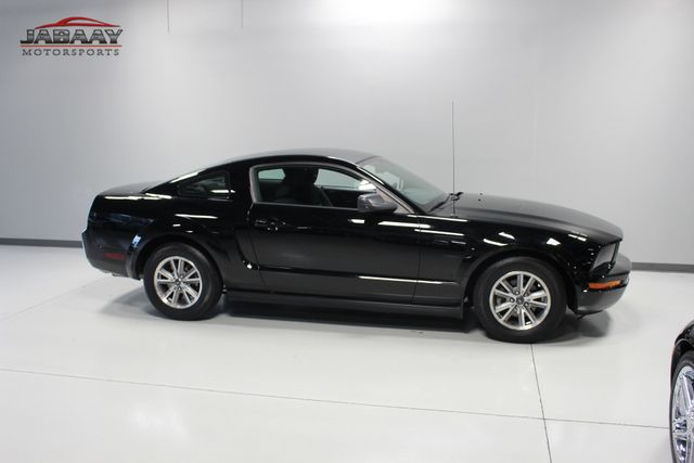 2005 Ford Mustang Deluxe Merrillville, Indiana 36
