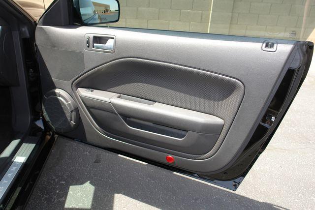 2005 Ford Mustang GT Deluxe Phoenix, AZ 29