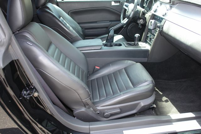 2005 Ford Mustang GT Deluxe Phoenix, AZ 31