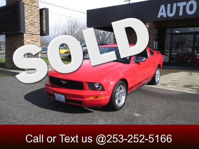 2005 Ford Mustang Deluxe The CARFAX Buy Back Guarantee that comes with this vehicle means that you