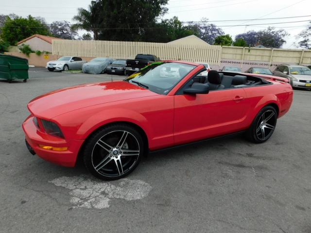 2005 ford mustang deluxe cars and vehicles santa ana. Black Bedroom Furniture Sets. Home Design Ideas