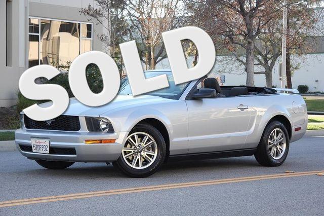2005 Ford Mustang Deluxe Santa Clarita, CA 0