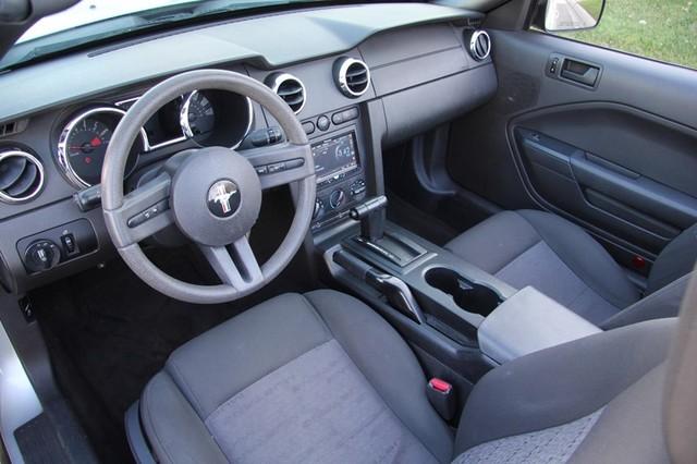 2005 Ford Mustang Deluxe Santa Clarita, CA 8