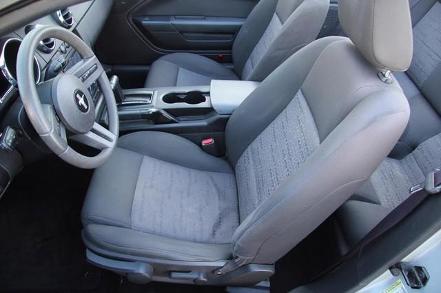 2005 Ford Mustang Deluxe Santa Clarita, CA 17