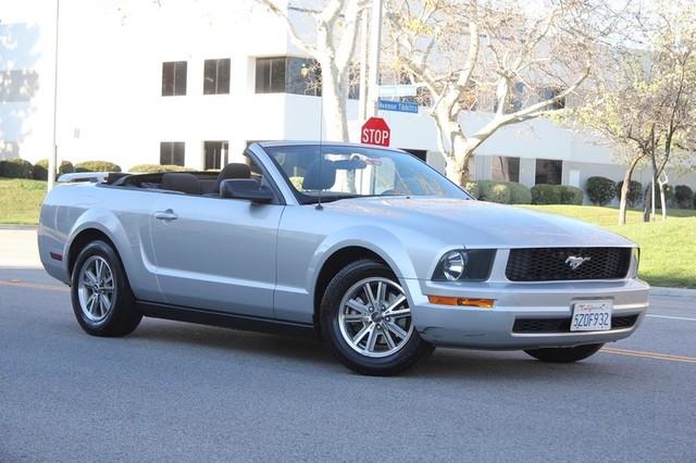 2005 Ford Mustang Deluxe Santa Clarita, CA 1