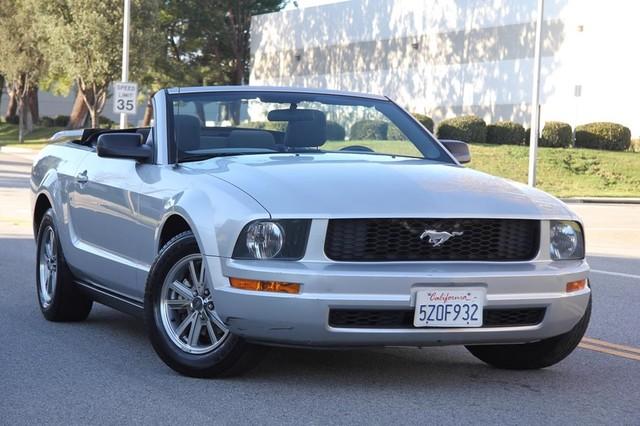 2005 Ford Mustang Deluxe Santa Clarita, CA 4
