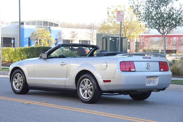 2005 Ford Mustang Deluxe Santa Clarita, CA 11