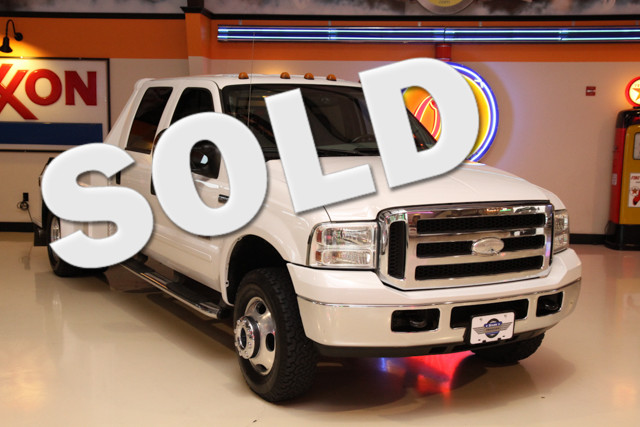 2005 Ford Super Duty F-350 Lariat 4x4 The 2005 Ford Super Duty F-350 DRW Lariat 4x4 is in great sha