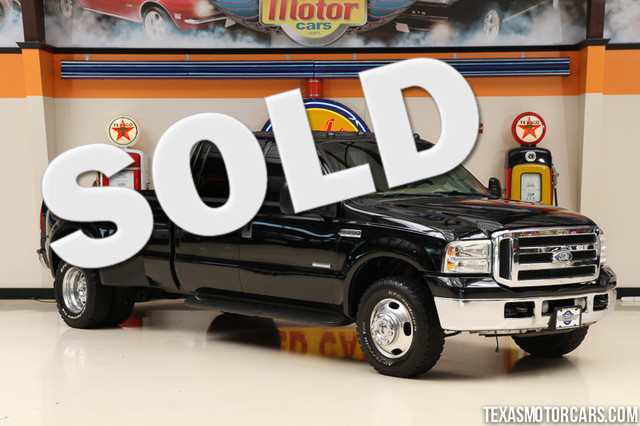 2005 Ford Super Duty F-350 Lariat This 2005 Ford Super Duty F-350 DRW Lariat is in great shape wit