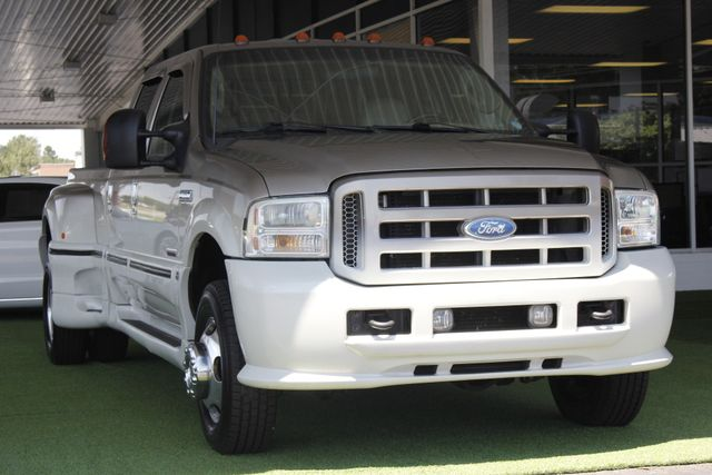 2005 Ford Super Duty F-350 DRW Lariat Crew Cab 4x4 - SOUTHERN COMFORT! Mooresville , NC 23