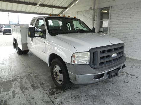 2005 Ford Super Duty F-350 DRW XL in New Braunfels
