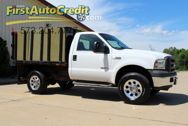 2005 Ford Super Duty F-350 SRW XL | Jackson , MO | First Auto Credit in Jackson  MO
