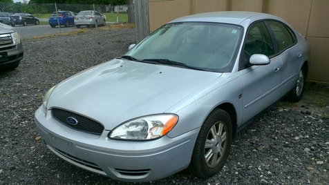 2005 Ford Taurus SEL in Harwood, MD