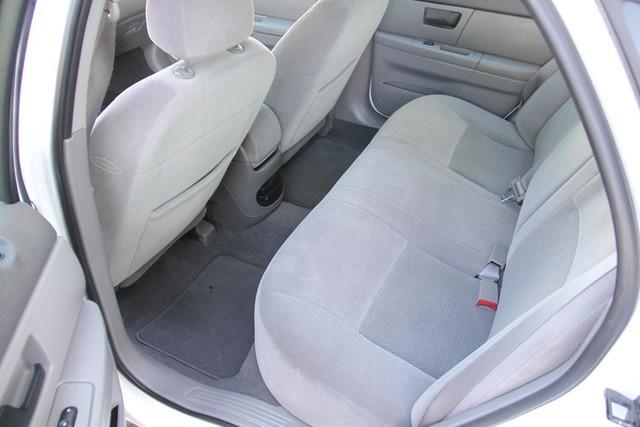 2005 Ford Taurus SE Santa Clarita, CA 15