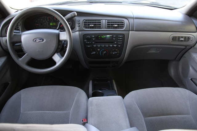 2005 Ford Taurus SE Santa Clarita, CA 7
