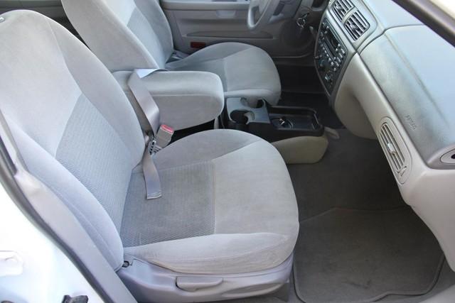 2005 Ford Taurus SE Santa Clarita, CA 14
