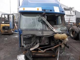 2005 Freightliner CORONADO 132 Ravenna, MI 3
