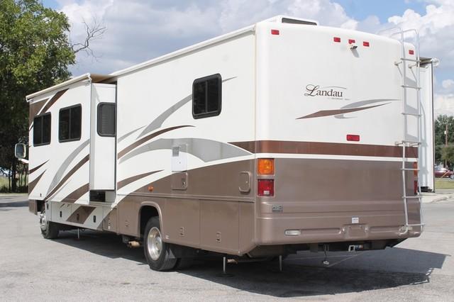 2005 Georgie Boy Landau 2 Slides San Antonio, Texas 40