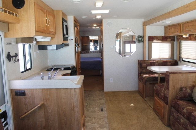 2005 Georgie Boy Landau 3650 San Antonio, Texas 4