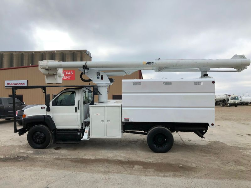 2005 GMC C7500 FORESTRY BUCKET TRUCK   city TX  North Texas Equipment  in Fort Worth, TX