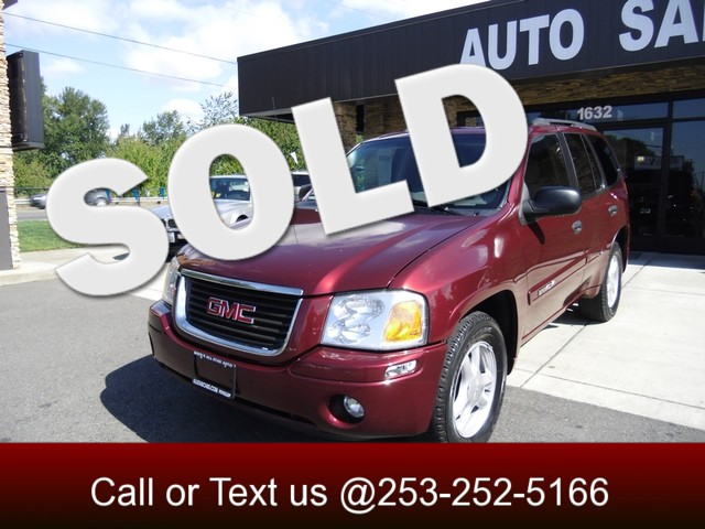 2005 GMC Envoy SLE Our 2005 GMC Envoy delivers a spacious interior and outstanding towing capacity