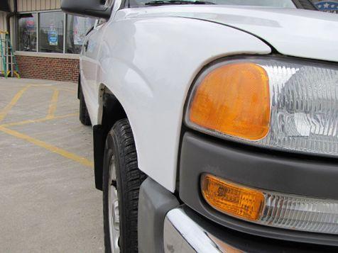 2005 GMC Sierra 1500 Work Truck | Medina, OH | Towne Cars in Medina, OH