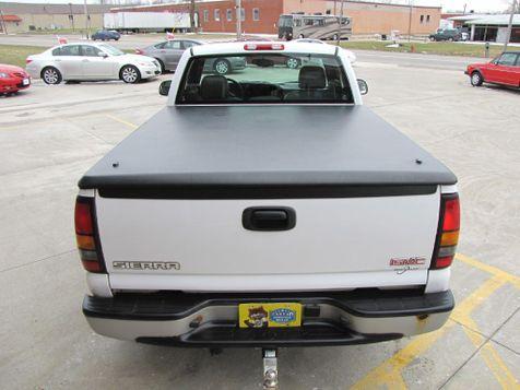 2005 GMC Sierra 1500 Work Truck   Medina, OH   Towne Cars in Medina, OH