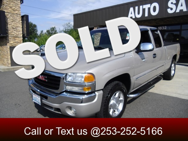 2005 GMC Sierra 1500 SLT 4WD Our 2010 Chevy Silverado 1500 SLT is one great truck Our 4x4 is powe
