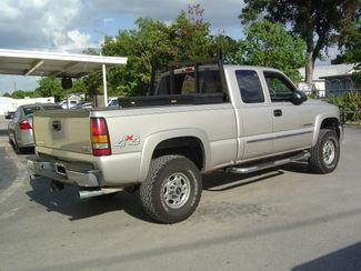 2005 GMC Sierra 2500HD SLE San Antonio, Texas 5