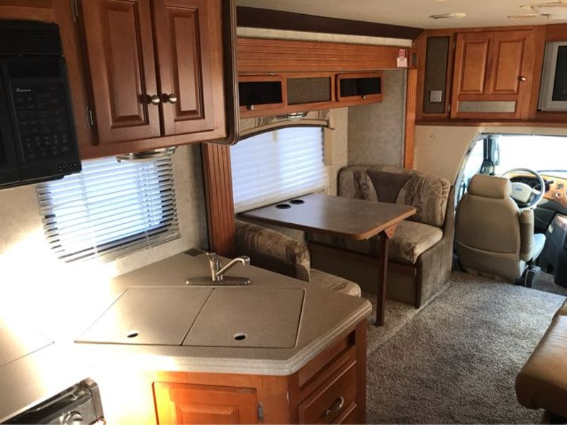 2005 Gulf Stream B Touring Cruiser 5230  in Sherwood, Ohio