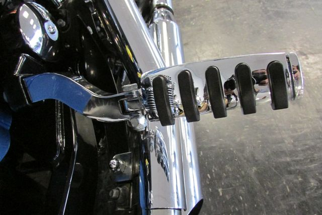 2005 Harley - Davidson DYNA LOW RIDER Arlington, Texas 14