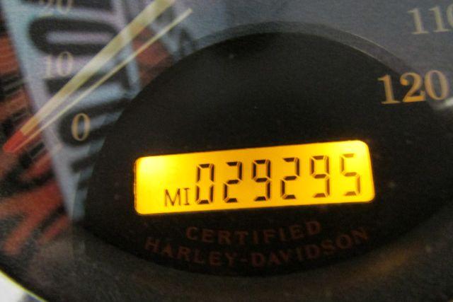 2005 Harley - Davidson DYNA LOW RIDER Arlington, Texas 26