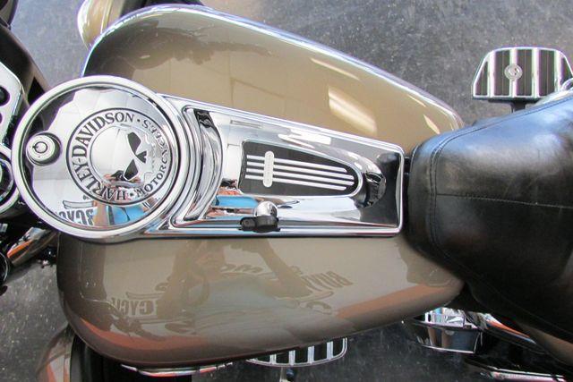 2005 Harley-Davidson Electra Glide® Ultra Classic® Arlington, Texas 30