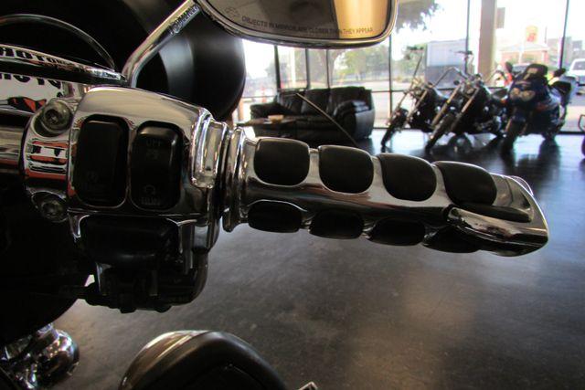 2005 Harley-Davidson Electra Glide® Ultra Classic® Arlington, Texas 35