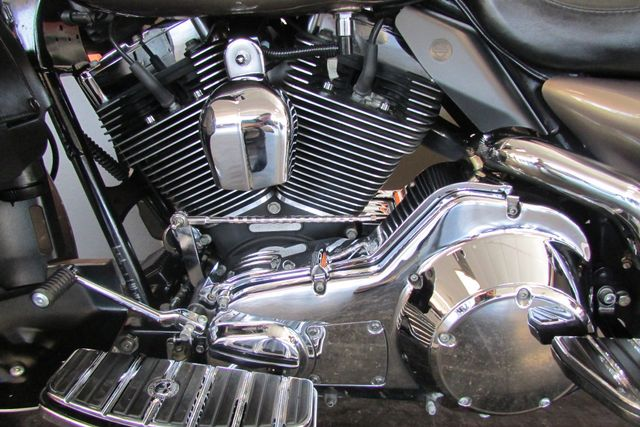 2005 Harley-Davidson Electra Glide® Ultra Classic® Arlington, Texas 53