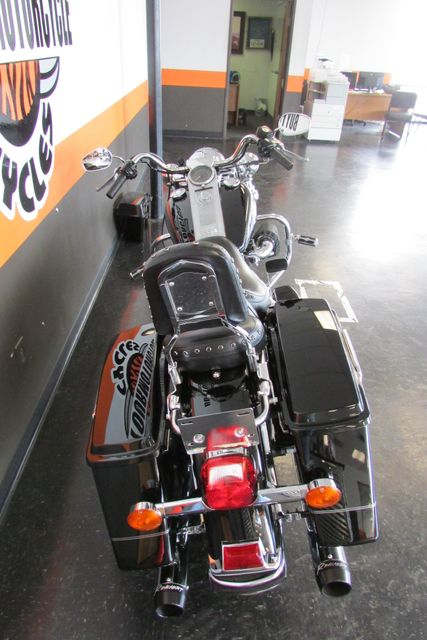 2005 Harley-Davidson Road King® Base Arlington, Texas 9
