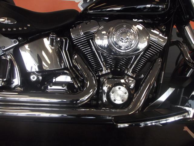 2005 Harley-Davidson Heritage Softail® Classic FLSTC Arlington, Texas 4